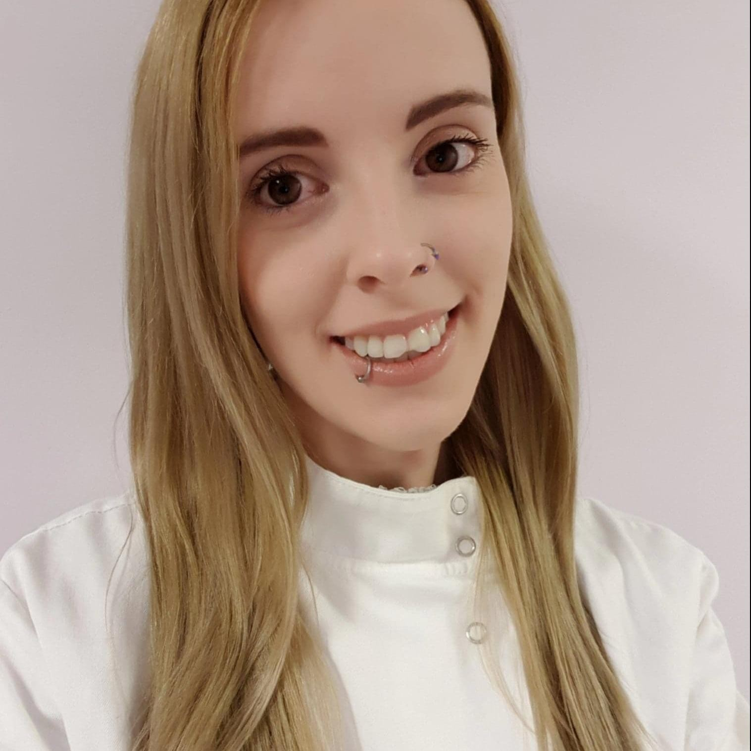 Dr Holly Wilkinson