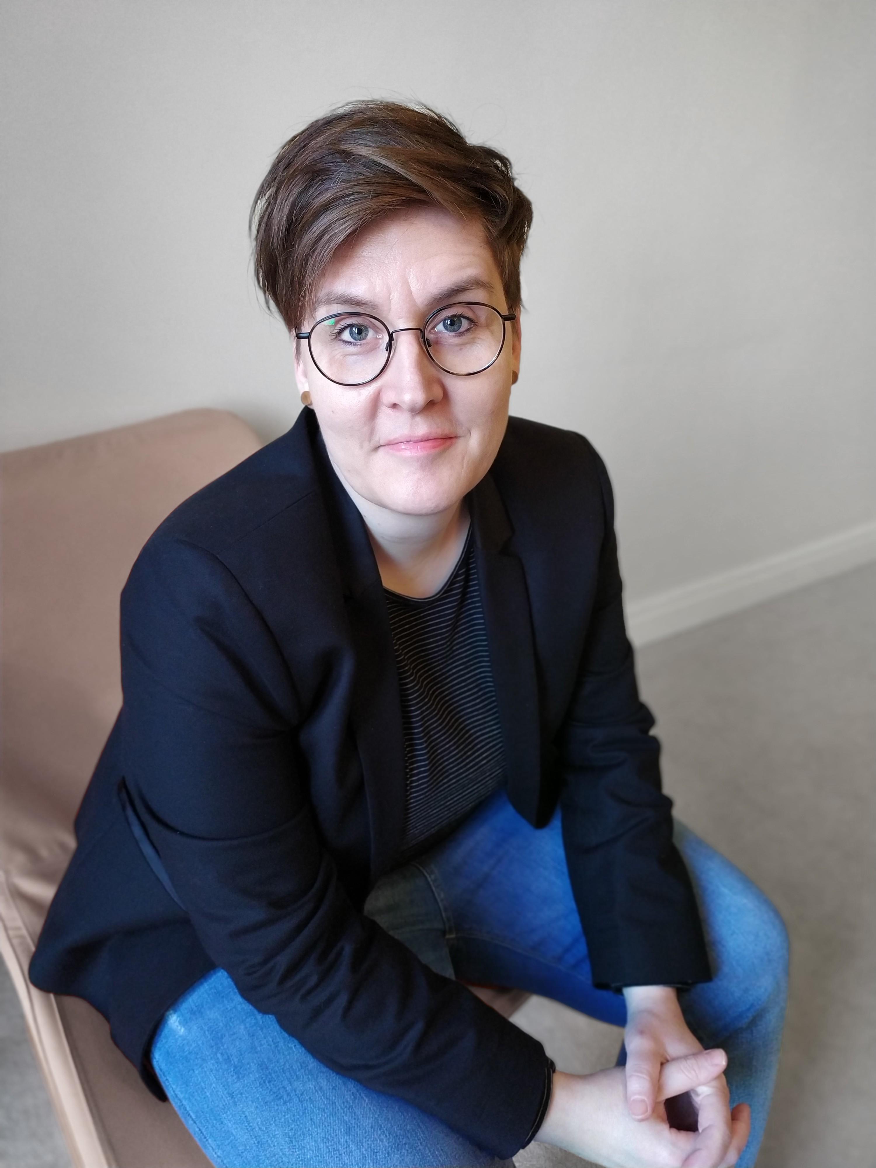 Dr Rebecca Weil